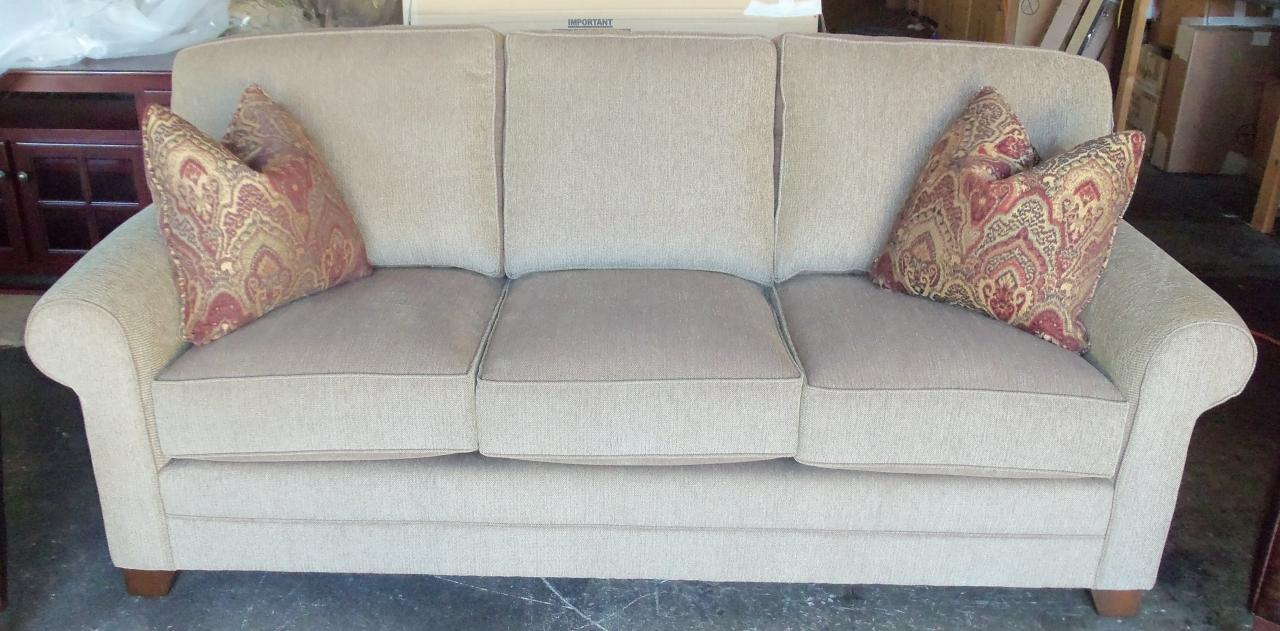 King Hickory Bentley Sofa
