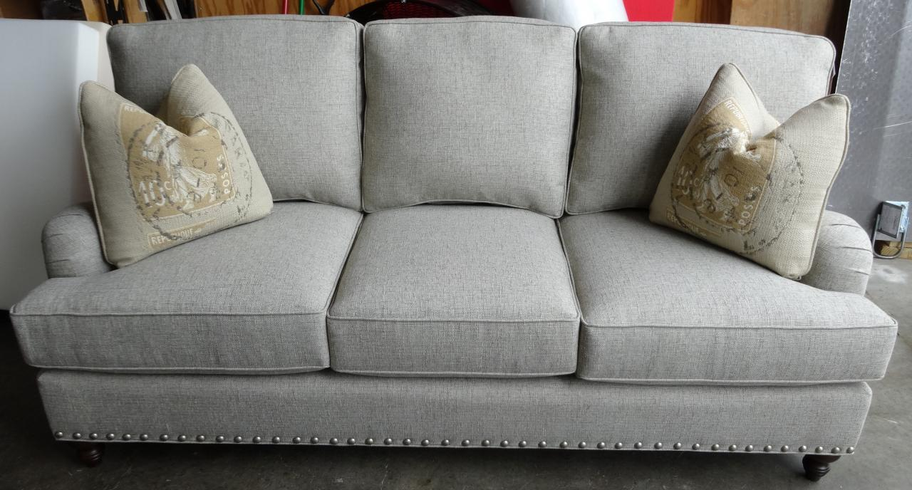 King Hickory Chatham Sofa