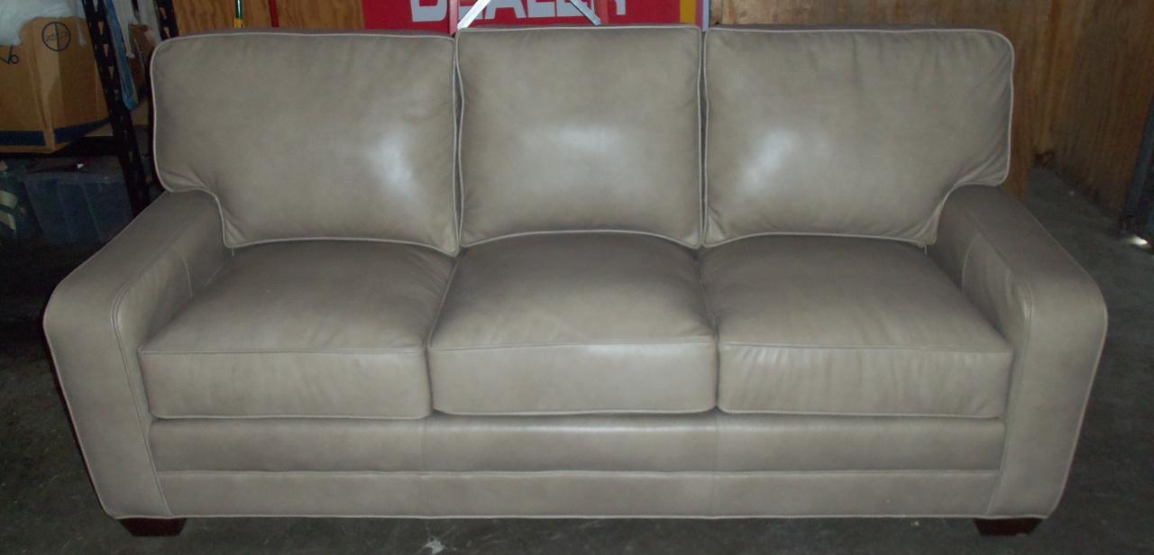 Incredible Barnett Furniture King Hickory Bentley Sofa Inzonedesignstudio Interior Chair Design Inzonedesignstudiocom
