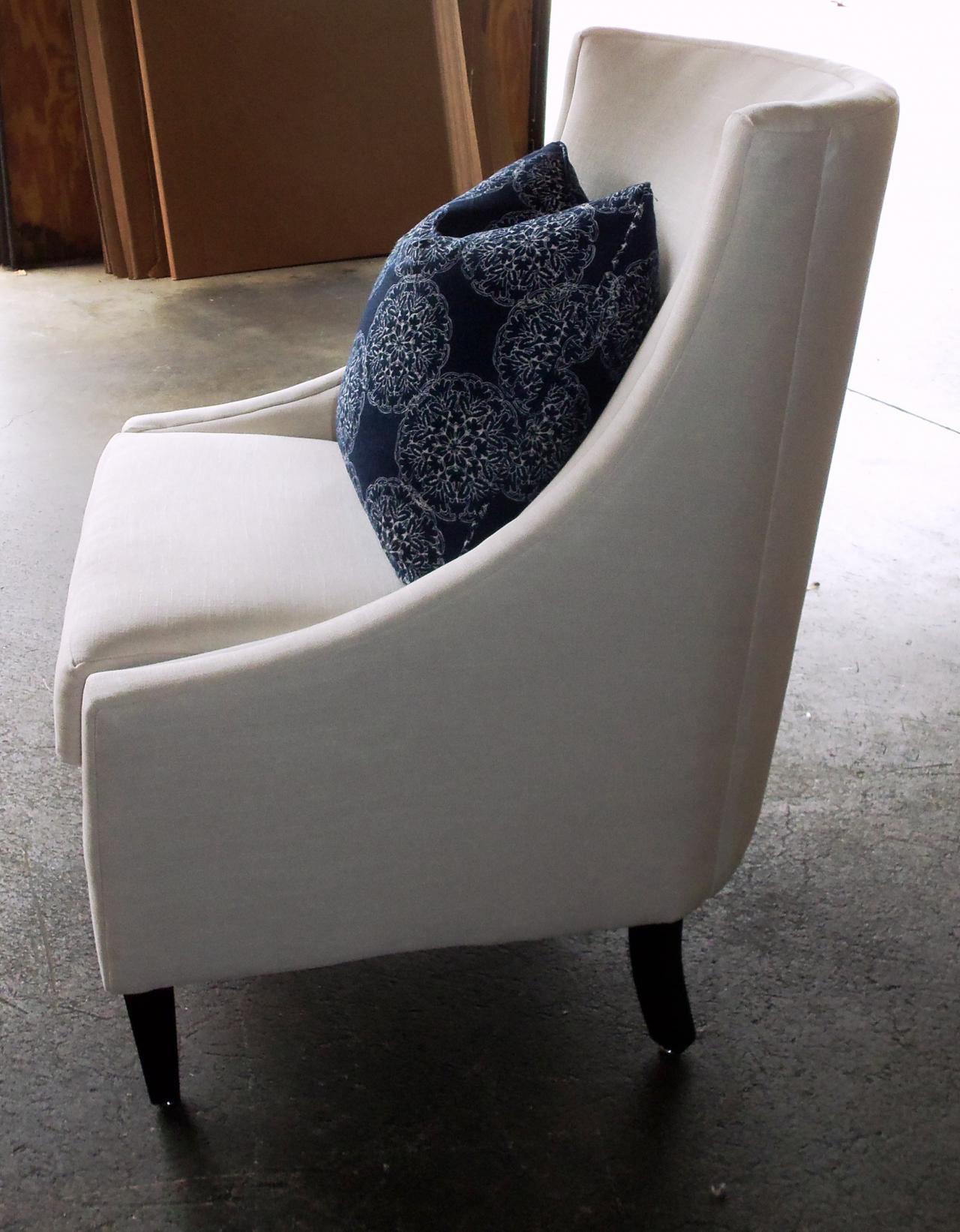 Barnett Furniture - Rowe furniture Dixon chair